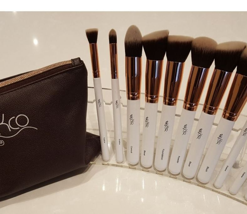 10 Piece Professional Make Up Brush Set with Brush Bag